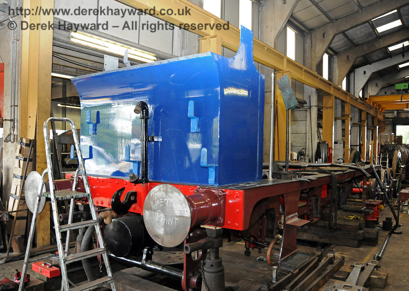 Fresh paint on the bunker and rear of 323.  There is a clue on the buffer!  Sheffield Park Workshops 07.07.2010  2994