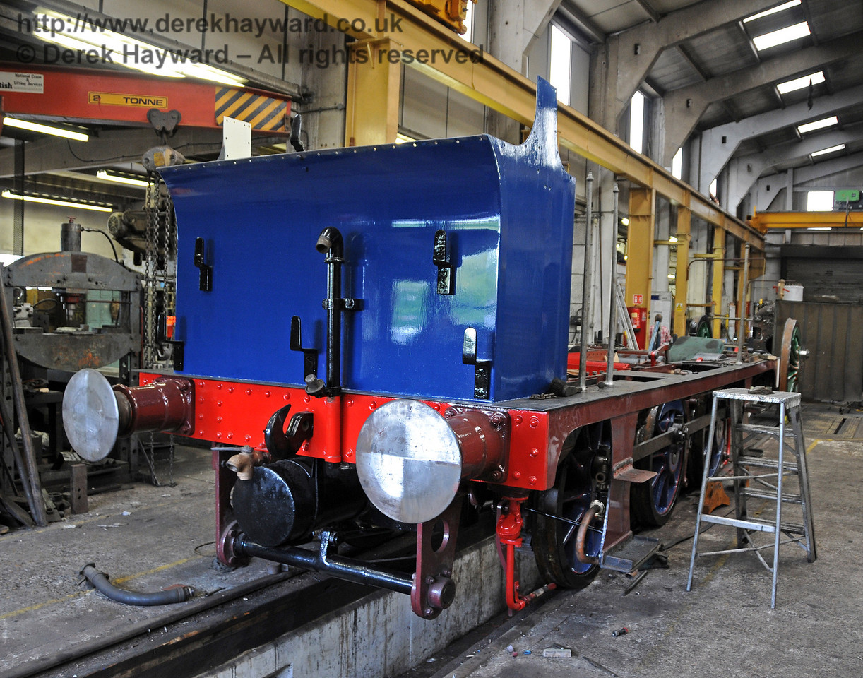 The bunker has now been painted in a slightly darker shade of Bluebell Blue. Sheffield Park Workshops 25.07.2010  3393