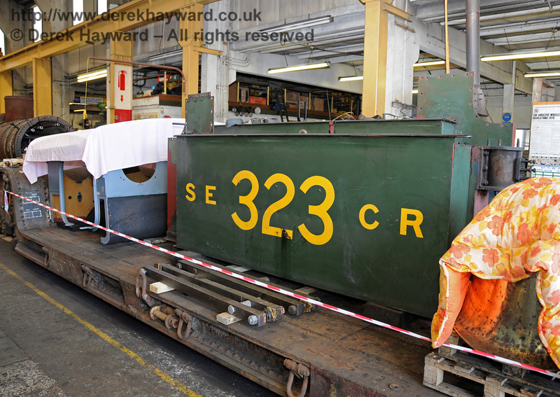 Other parts from 323 Bluebell have now been shunted inside Sheffield Park Workshops. 23.05.2010  2651