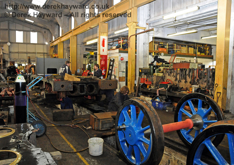 A wider shot catches some blue wheels... Sheffield Park Workshops 21.03.2010  1522