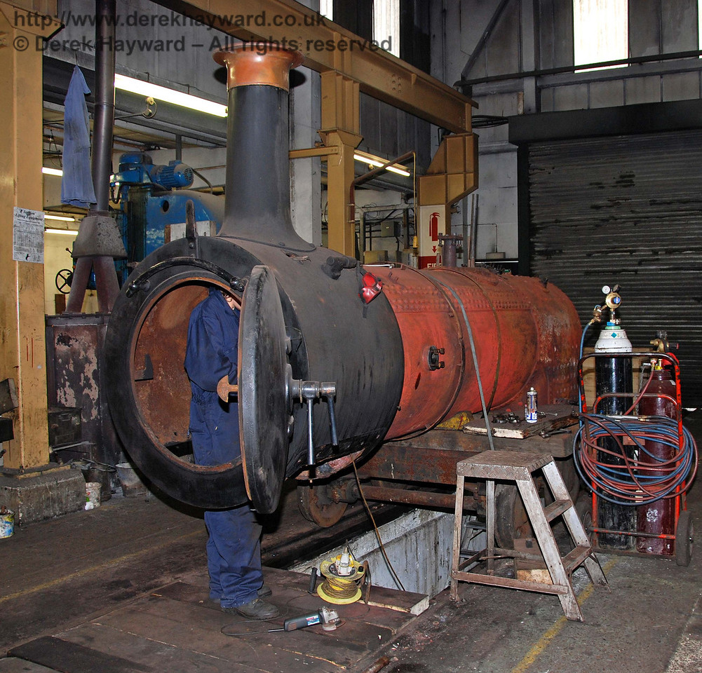 Stepney's boiler has been lifted and is now receiving attention inside Sheffield Park Workshops. 24.01.2010