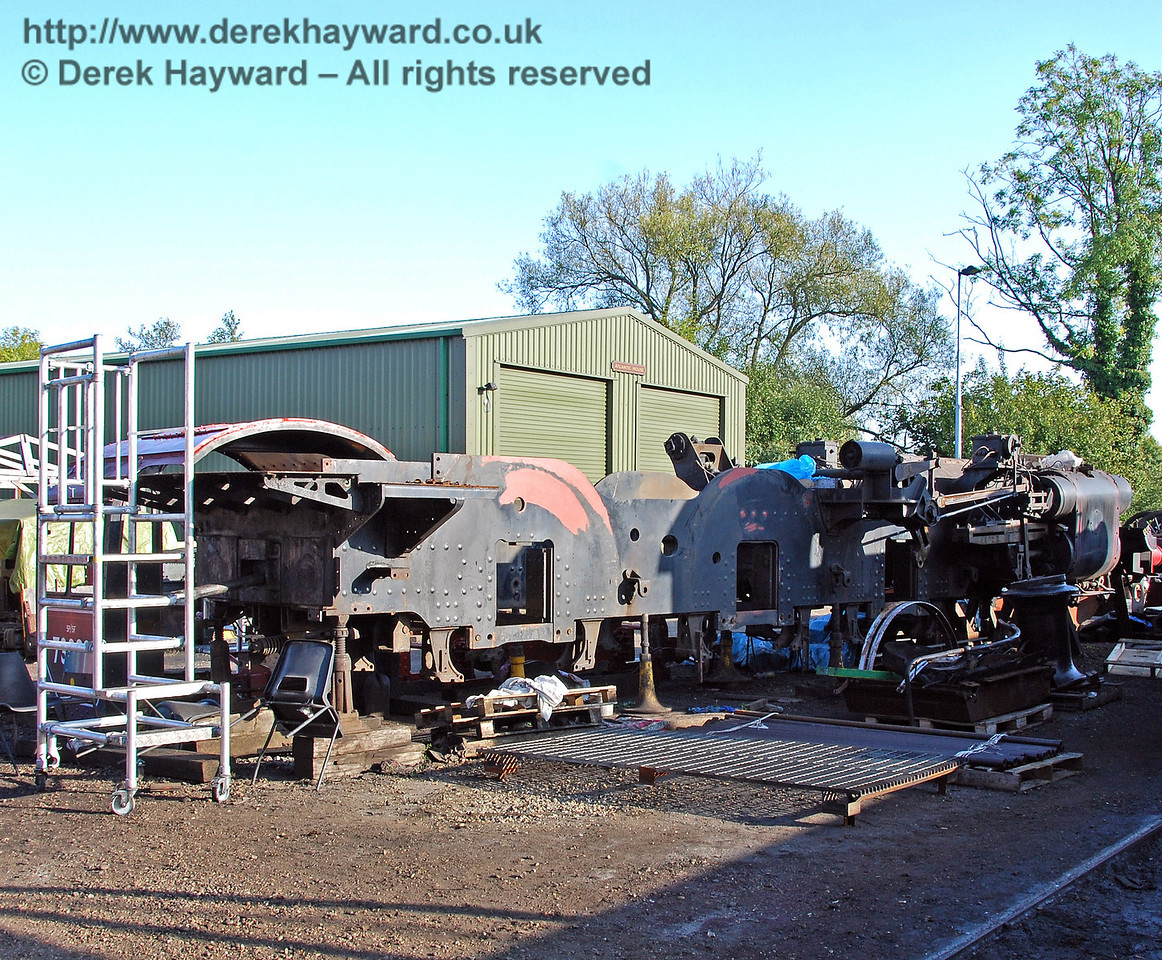 The frames from 73082 Camelot remain dismantled outside Sheffield Park Workshops. 27.09.2009