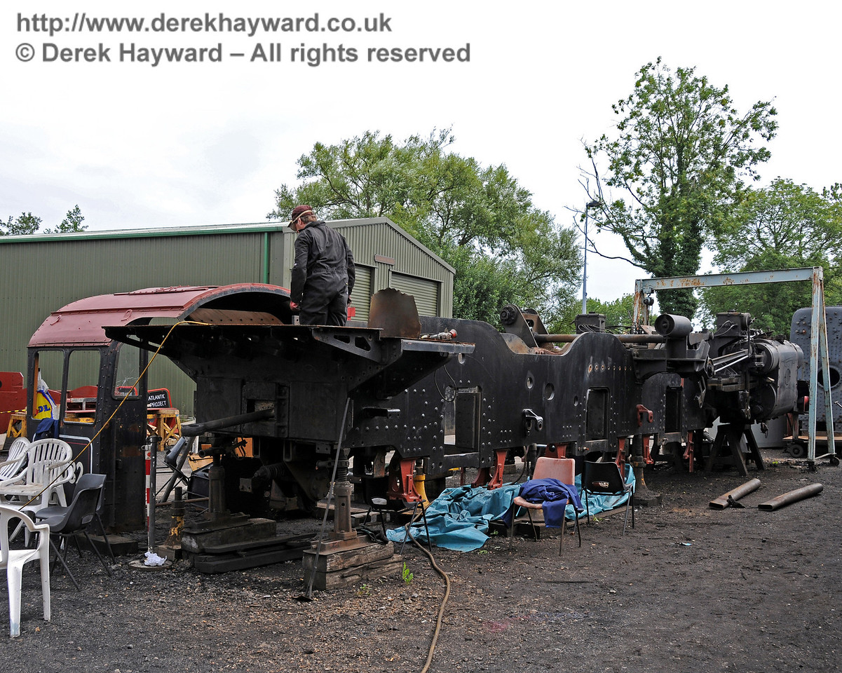 Work was continuing on the frames from 73082 Camelot. Shefield Park Workshops 15.08.2010