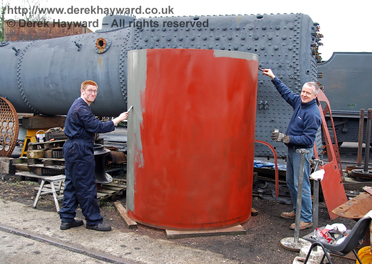 A break in the very adverse weather has at last allowed some external work on 73082 Camelot. The new smokebox is being painted. Sheffield Park Shed 24.01.2010
