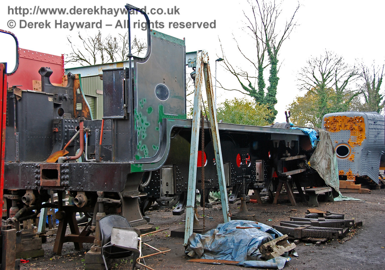 The frames from 847 outside Sheffield Park Shed on 25.10.2008, with work obviously in progress