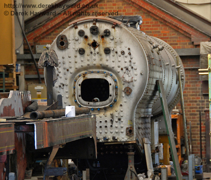The boiler from 847 remains at the back of Sheffield Park Workshops. 27.06.2009