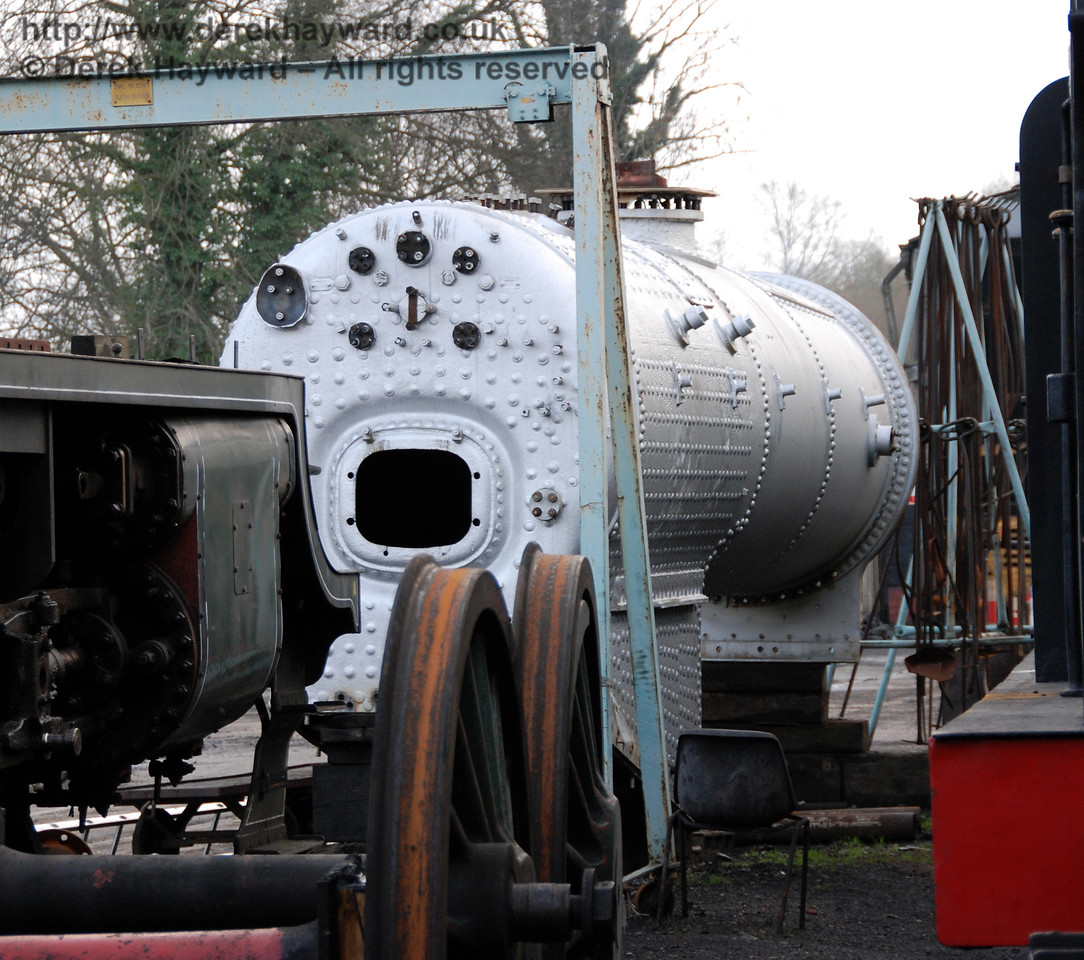 A closer view of the newly repainted boiler from 847. Sheffield Park Shed 01.01.2007