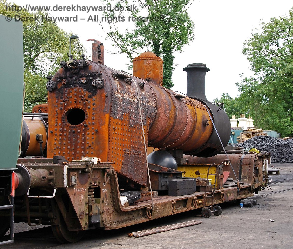 The boiler from 32473 outside Sheffield Park Shed after being removed from the frames. 16.08.2008