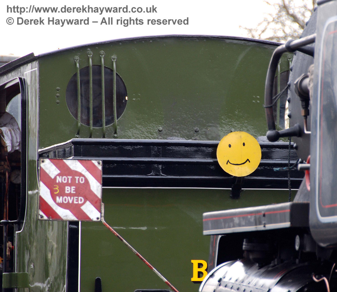 A glimpse of the rear of B473, complete with smiley. Sheffield Park Shed 24.01.2010.