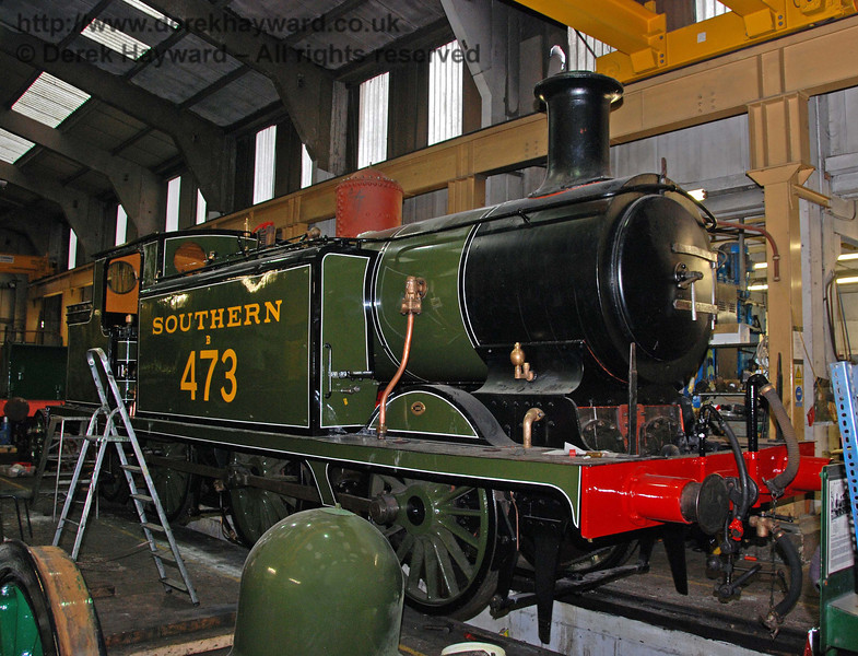 B473 still has some work outstanding. Note the dome casing in the foreground. Sheffield Park Workshops 13.12.2009