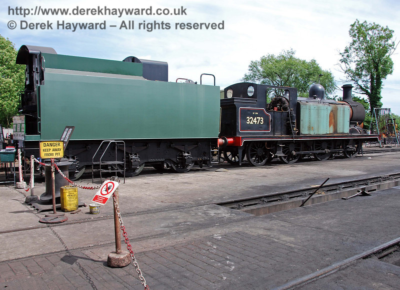Dismantling of 32473 prior to overhaul continues. After assessment it has been decided that the new tender that has been acquired for the engine might be too large...... Sheffield Park shed 22.06.2008