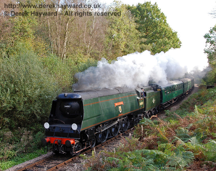 34007 Wadebridge steams north through Lindfield Wood. 19.10.2007