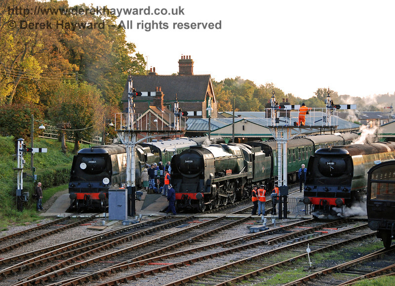 And then there were three. 34007 Wadebridge arrives at Platform 4/5 to join the Bulleid line-up. Horsted Keynes 19.10.2007