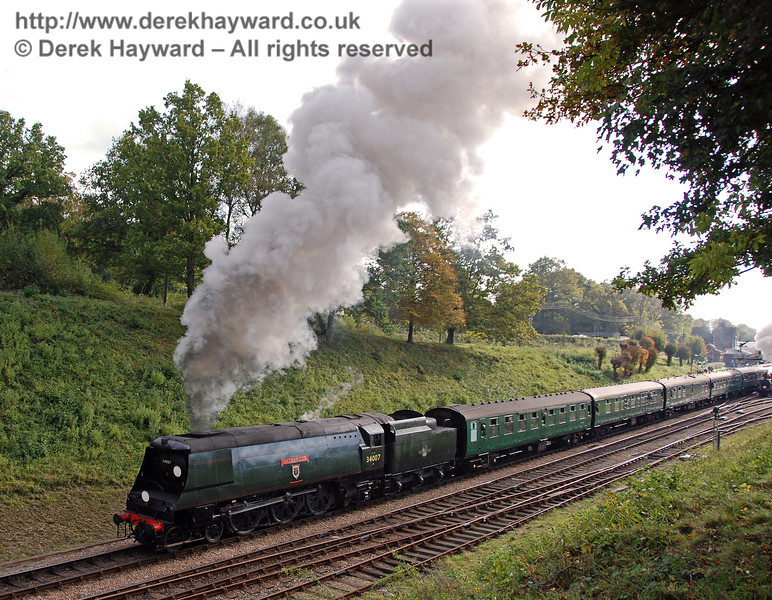 34007 Wadebridge steams north from Horsted Keynes. 20.10.2007