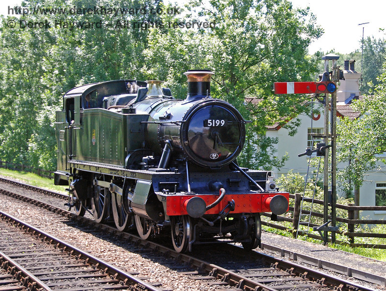 5199 runs round at Kingscote. 22.06.2008