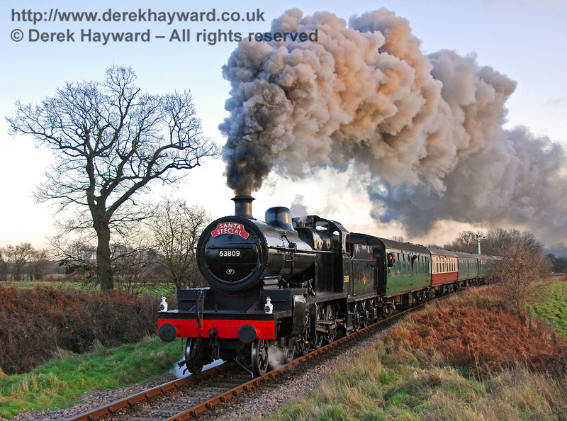 53809 leaves Sheffield Park with a Santa Special. 06.12.2008