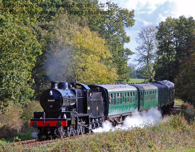 53809 rounds the curve from Sloop Bridge. 17.10.2008