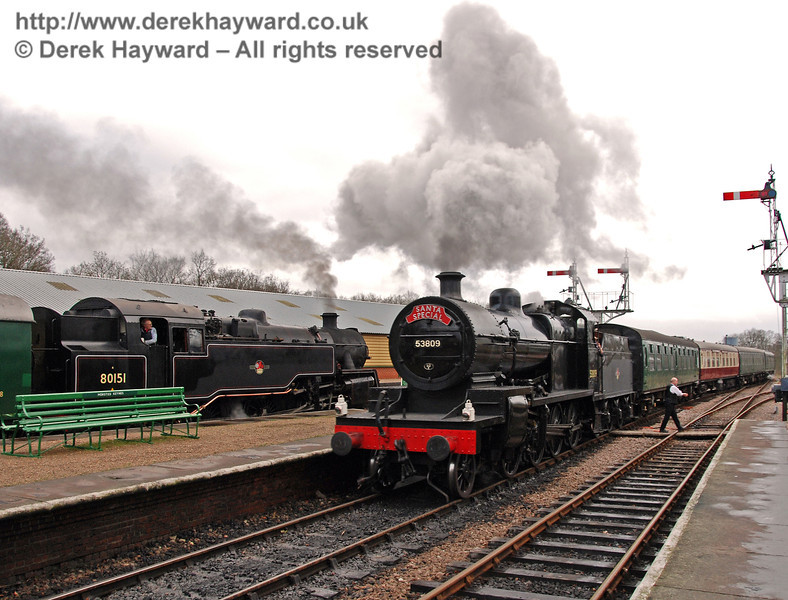 53809 passes 80151 at Horsted Keynes as both work Santa Specials. 20.12.2008