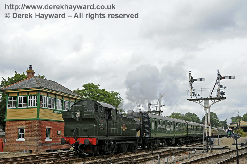 5643 leaves Horsted Keynes. 05.07.2014  11113