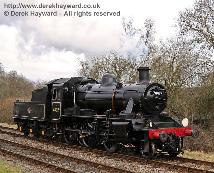 78019 poses at Kingscote. 13.02.2010