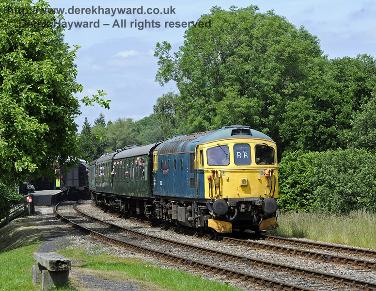 33103 Swordfish leaving Kingscote.  29.06.2013  7537