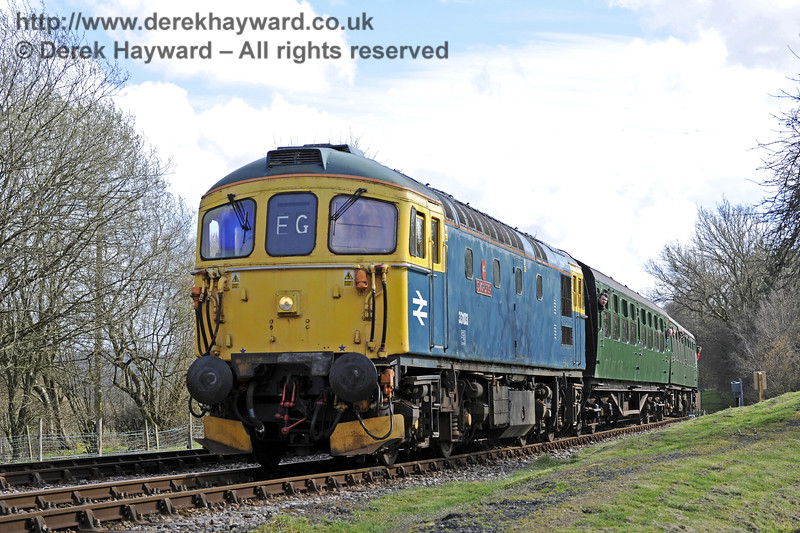 33103 Swordfish arrives at Kingscote.  21.03.2014  8792