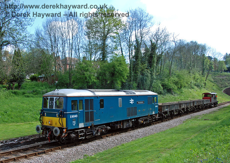 73136 (E6043) passes through the site of West Hoathly station. 29.04.2009