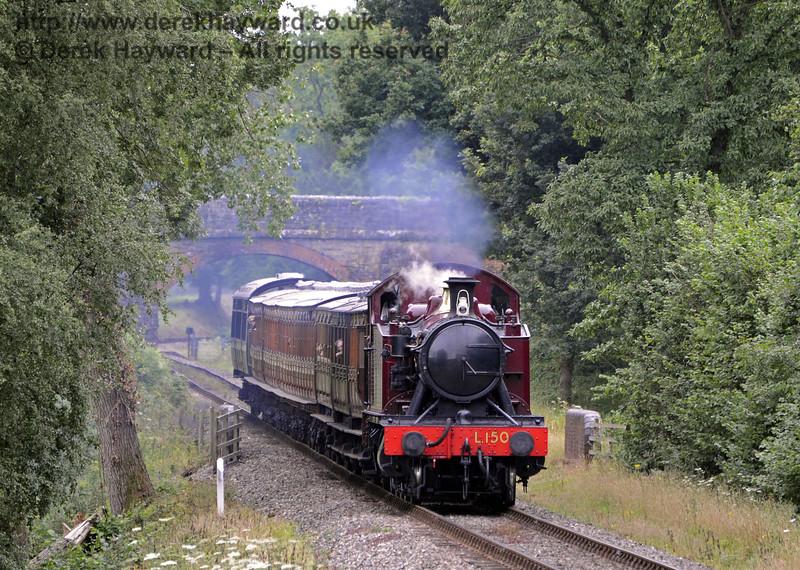 L150 steams north from Birchstone Bridge.  31.07.2013  7686