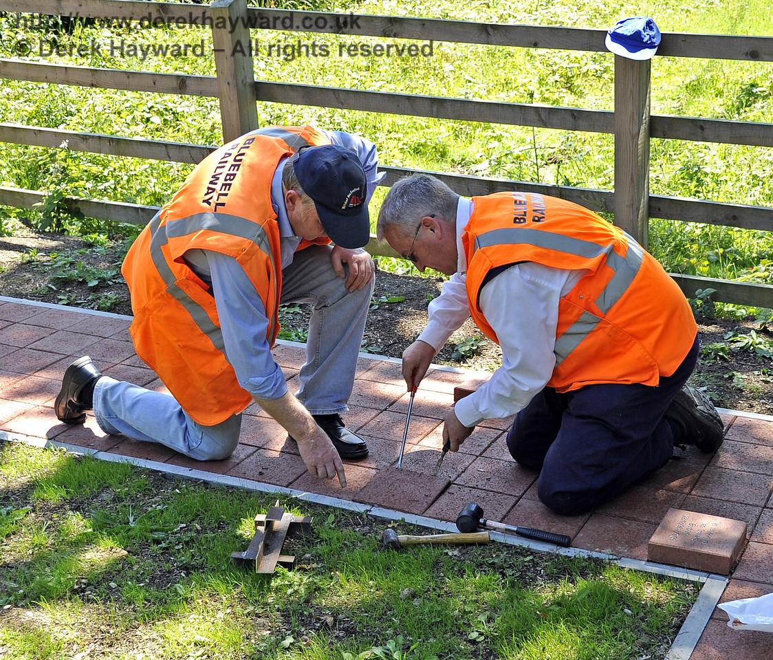 Installing a memorial plaque.  26.06.2011  2050