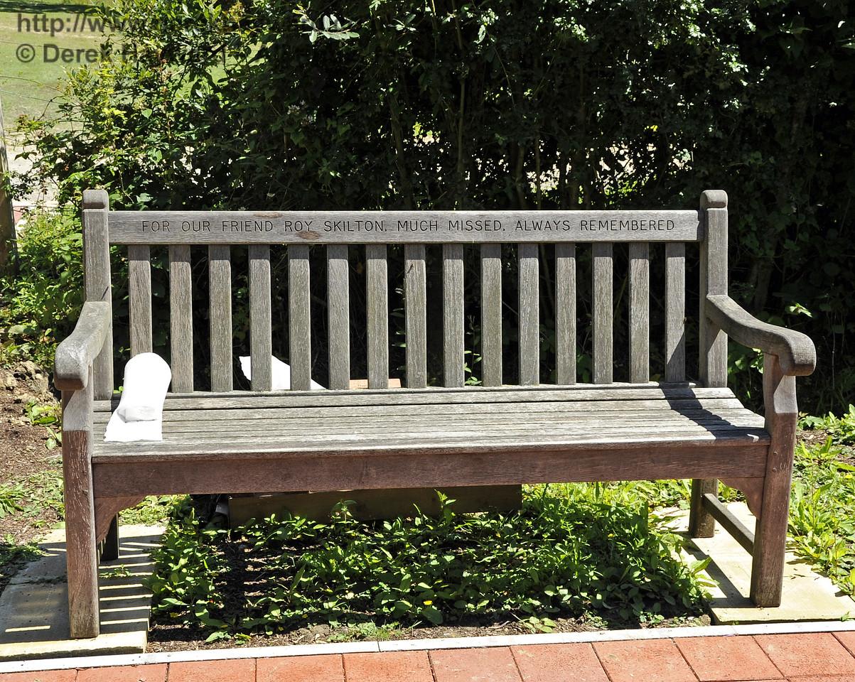 A memorial seat in memory of Roy Skilton.  26.06.2011  2049