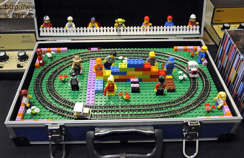 Layouts in a briefcase.  Model Railway Weekend, Horsted Keynes, 30.06.2013  9337