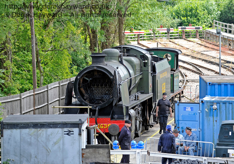 Having been evicted from Workshops to make way for the events, the Loco team stood by at the Wash Out Pit to provide tours under 1638 and 178.  27.06.2015  11520
