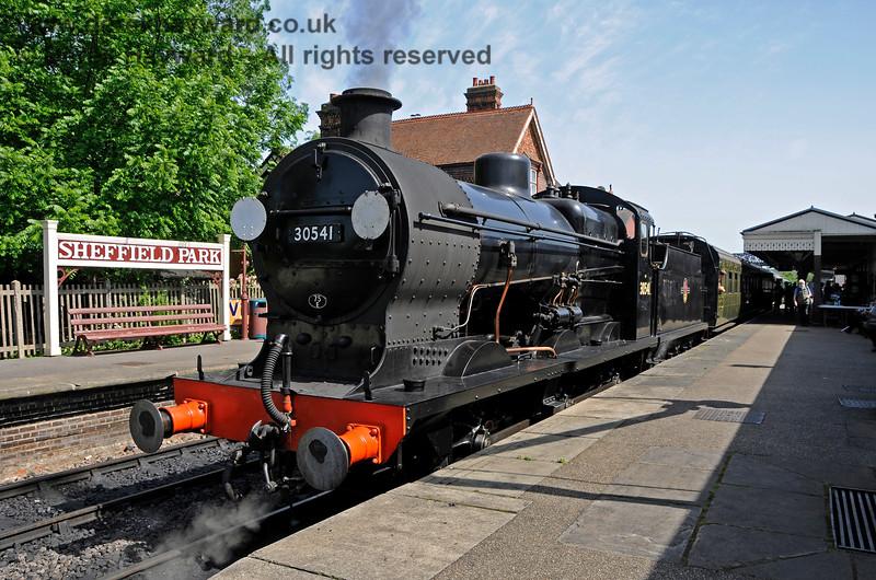 30541 awaiting departure.  Model Railway Weekend, Sheffield Park, 29.06.2019 19591