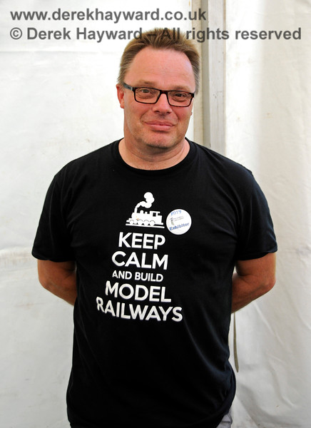 A man with an appropriate tee-shirt... Model Railway Weekend, Horsted Keynes, 29.06.2019 19528