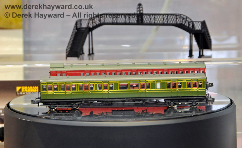 Samples (in different liveries) of three-coach Birdcage Packs on the Bachmann stand. These are reference 374-911 and 374-912.  Model Railway Weekend, Horsted Keynes, 29.06.2019 19484