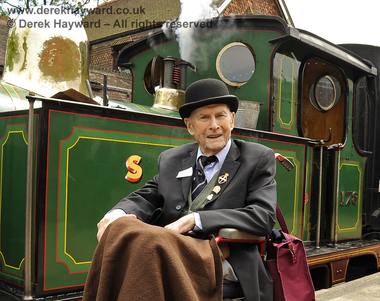 The late Bernard Holden MBE, President BRPS, poses in front of 178 at Sheffield Park.  23.06.2011  1884