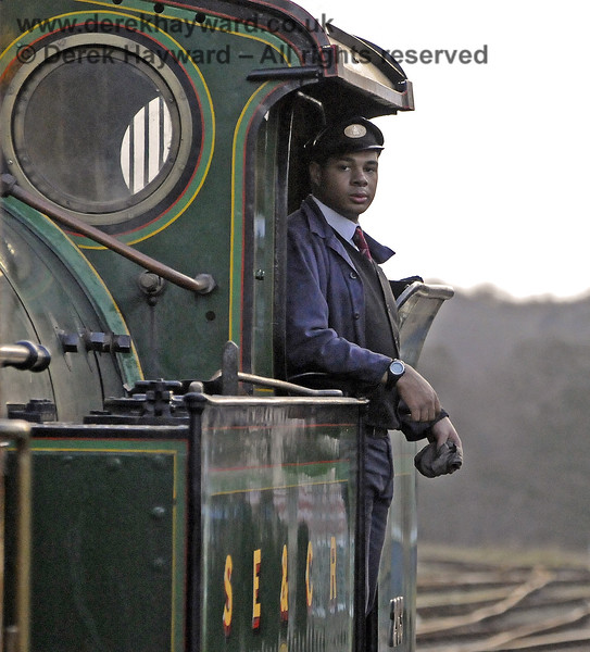 Reuben Smith caught by the long lens during his second solo firing turn on board 263.  Horsted Keynes 21.12.2012  8460