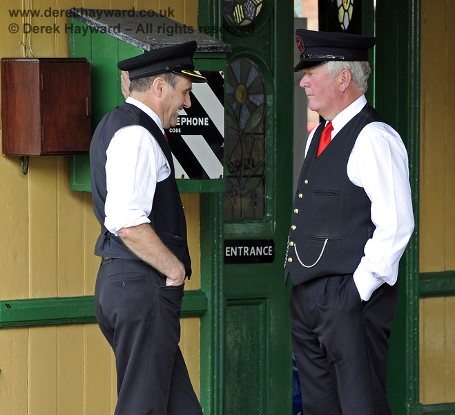 Staff members chat at Horsted Keynes.  07.05.2011  1270