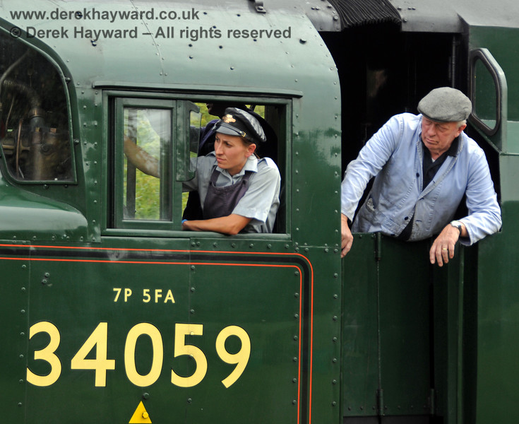 The crew look out from 34059 Sir Archibald Sinclair as they approach Kingscote.  15.08.2010  3926