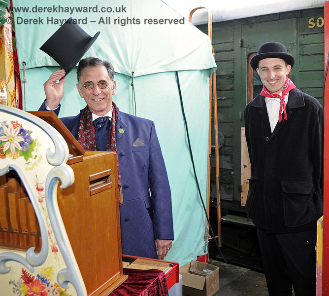 Greetings from some of the entertainment team at the Victorian Christmas event.  Horsted Keynes 21.12.2012  6019