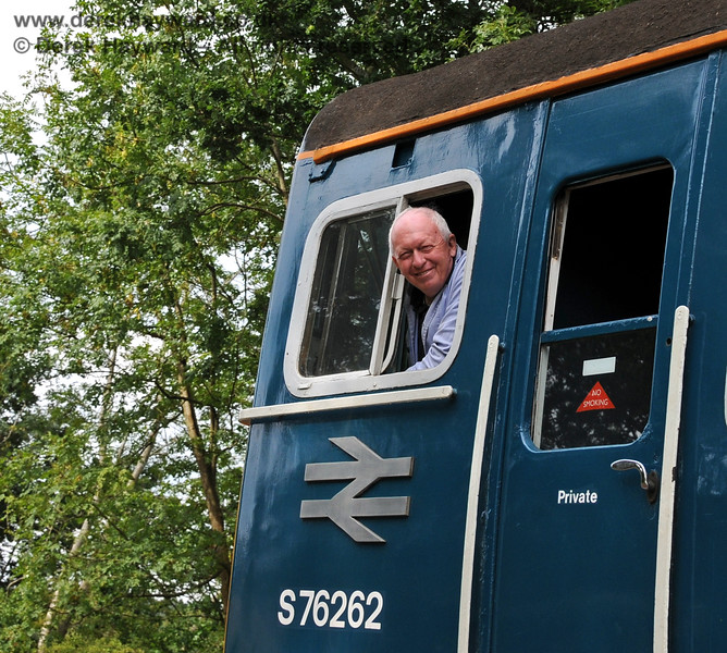 A big smile from the driver of 4-VEP 3417 on Hill Place Viaduct.  04.09.2010  4464