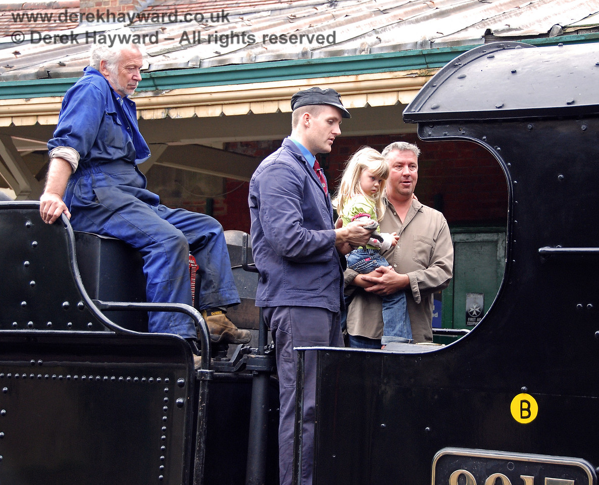 A footplate visit with the crew of 9017.  Kingscote 13.09.2009