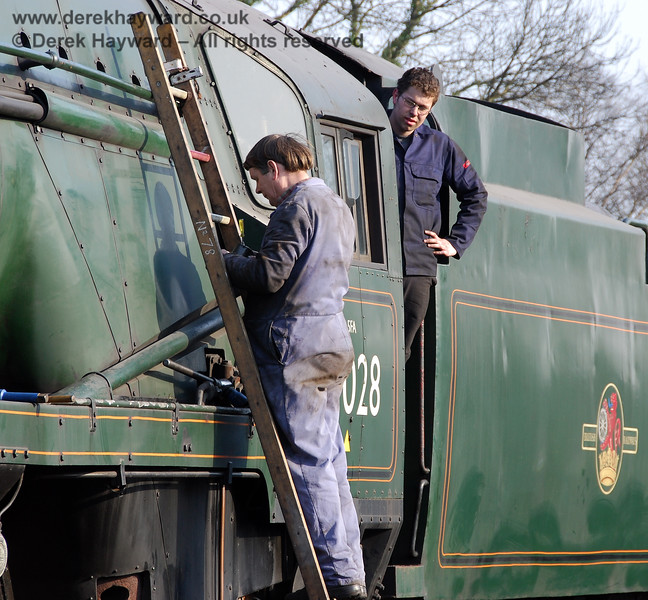 Two of the unsung heros who keep the engines working.  Sheffield Park shed 02.04.2007