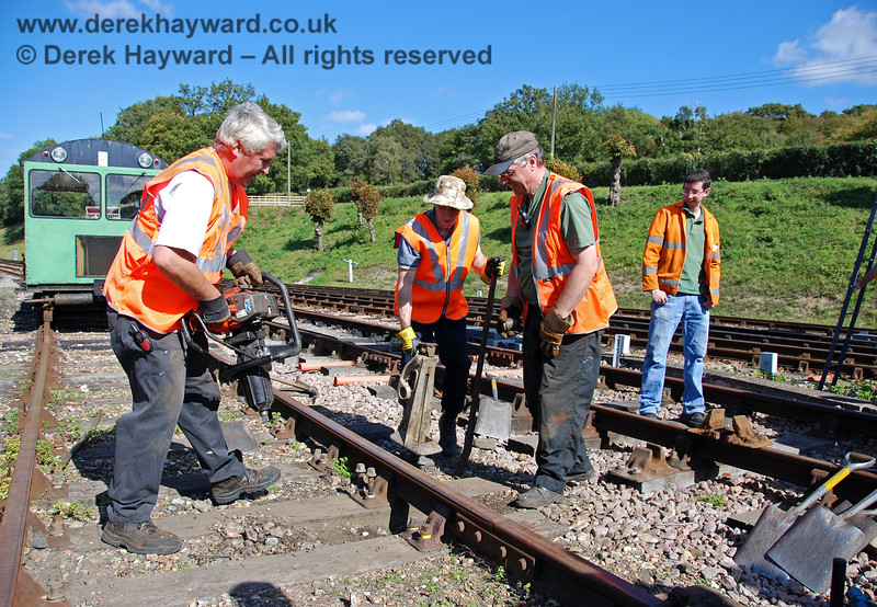 The PWay gang give a demonstration of their skills at Horsted Keynes.  12.09.2009