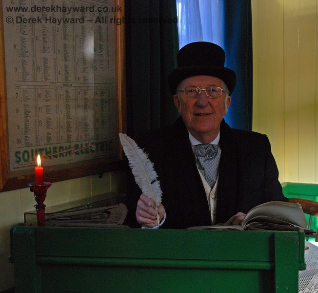 Bob Cratchit with only a single candle at Horsted Keynes.  The economy measures are beginning to bite...  02.01.2010