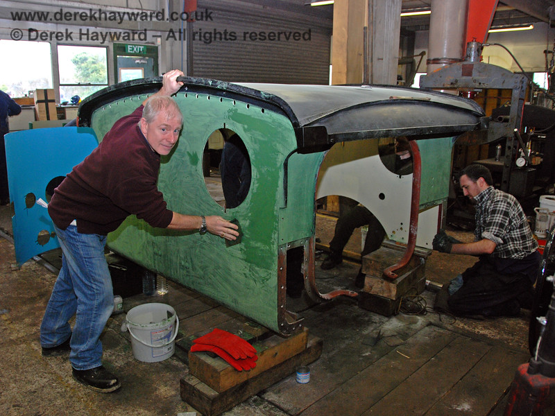Roy Watts, Chairman BRPS, helps with the overhaul of 178.  Sheffield Park Workshops 24.01.2010.  This overhaul has since been completed.