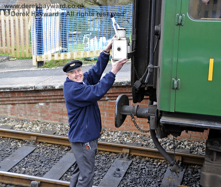 Luckily after only a short walk he finds a train to put the lamp on....  Look at his happy smile.  15.04.2012  4402
