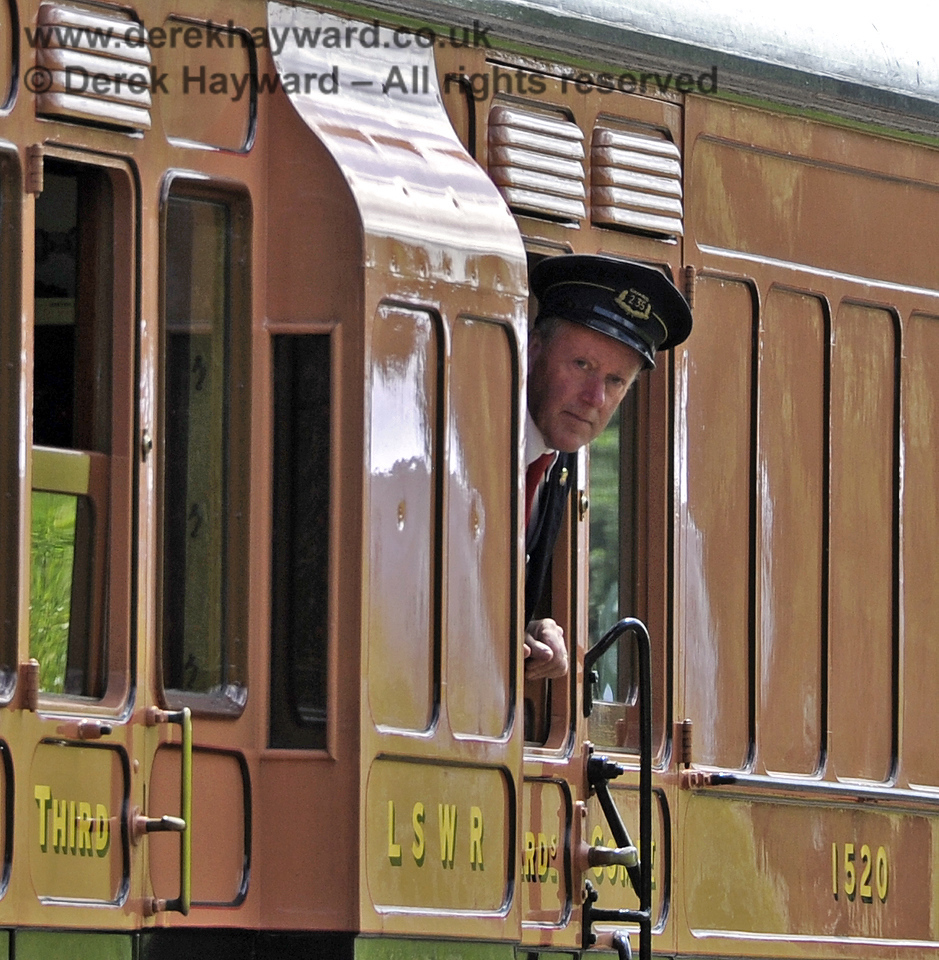 The Guard keeps a look out from 1520 as it approaches Horsted Keynes.  24.06.2012  5466