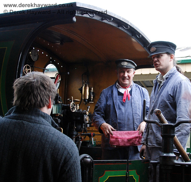 The crew of 65 talk to passengers at Kingscote.  28.01.2007