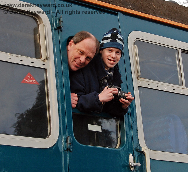 Andrew and Howard Strongitharm on board 4-VEP 3417 at East Grinstead.  17.01.2009